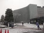 国立新美術館入口(2012年2月29日)